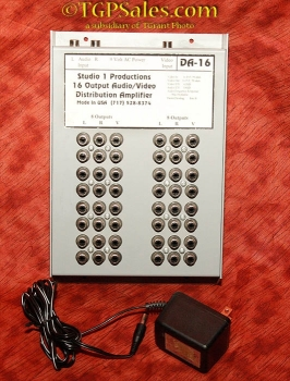 Studio 1 DA-16 Video Distribution Amplifier - 16 outputs - s-video input