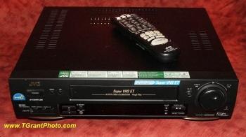 JVC HR-S3500U VCR - Super VHS ET Plug & Play, built0in video stabilizer, S-VHS, Hi-Fi [tgp752]