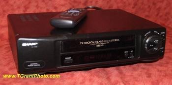 Sharp VC-H952U VHS  VCR - 4 head Hi-Fi Stereo [TGP397]