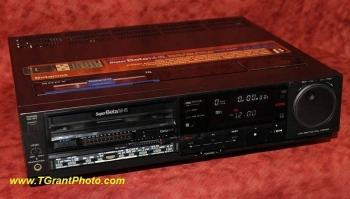 Sony Beta format VCR SL-HF900 w. remote [TGP746]