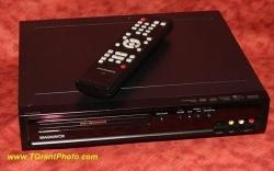 Magnavox ZC320MW8B DVD recorder w. remote + discs [TGP 652]