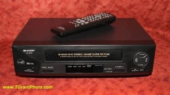 Sharp VC-H810U VHS  VCR - 4 head Hi-Fi Stereo [TGP664]